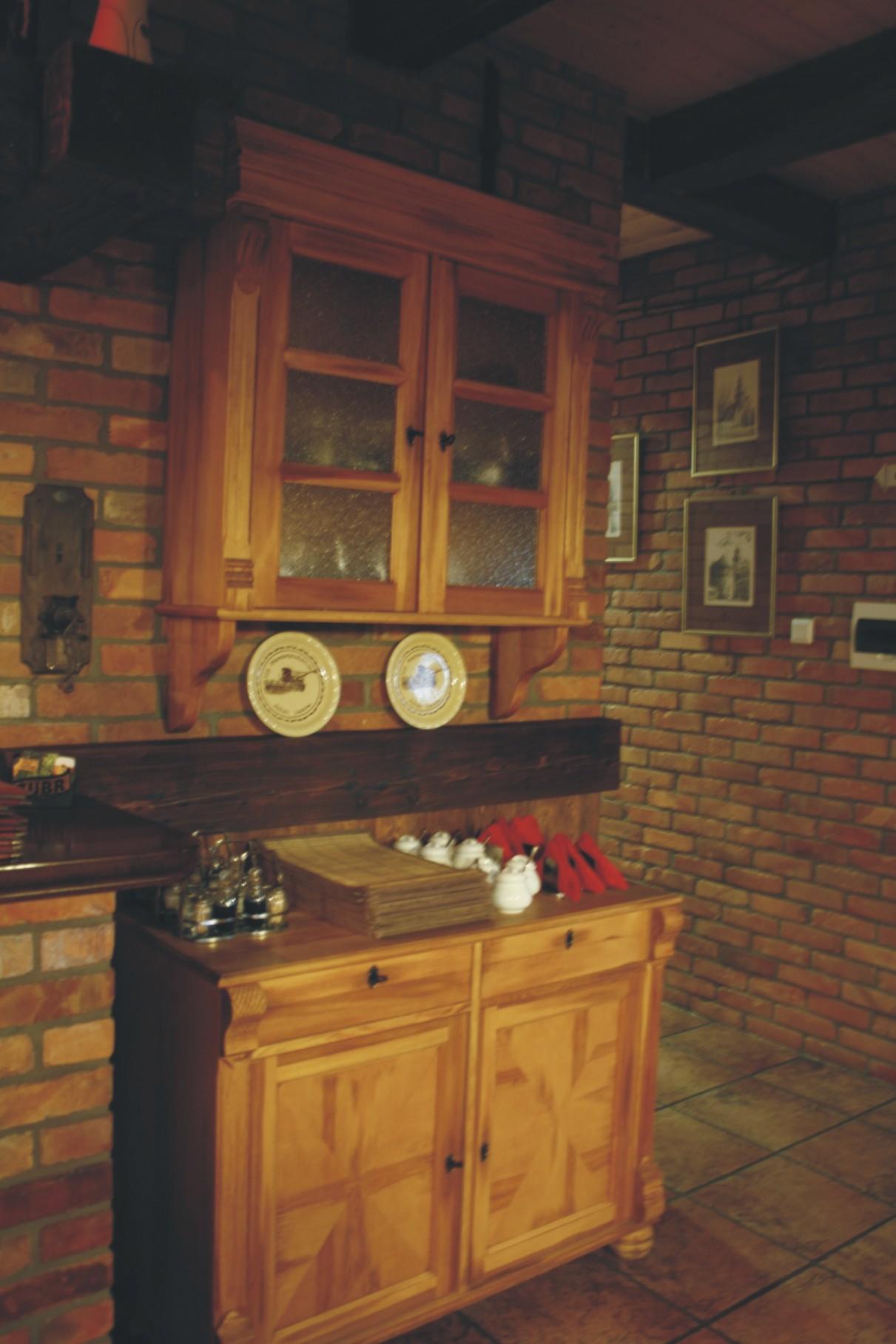 Pub Garaż Szczecin - projekt ozdobnej witryny