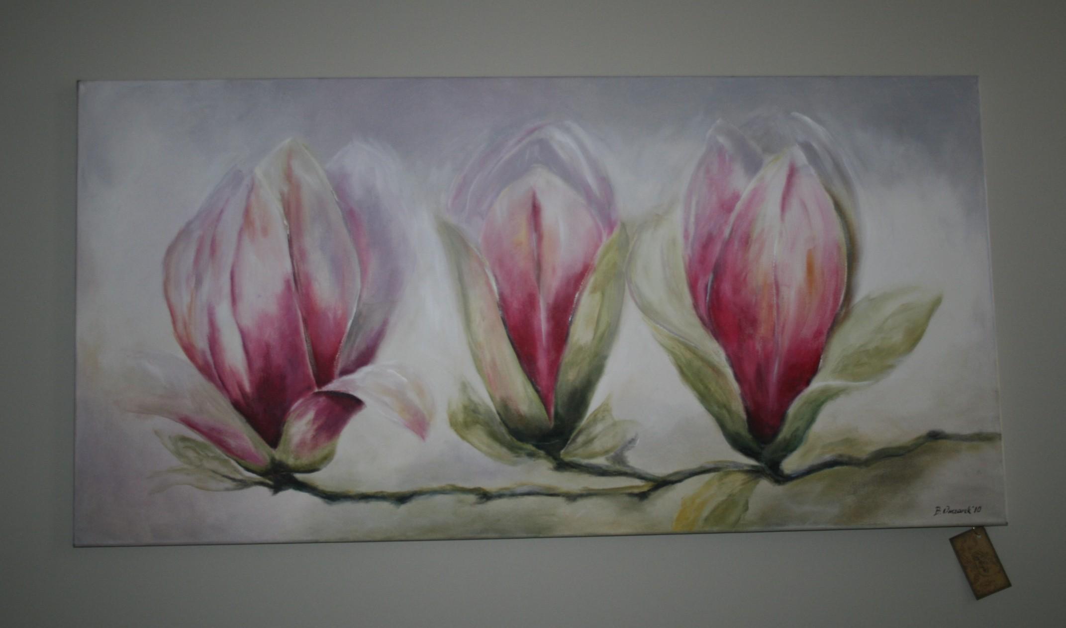 Obraz z kwiatami wewnątrz gabinetu projektowanego przez Beatę Owczarek